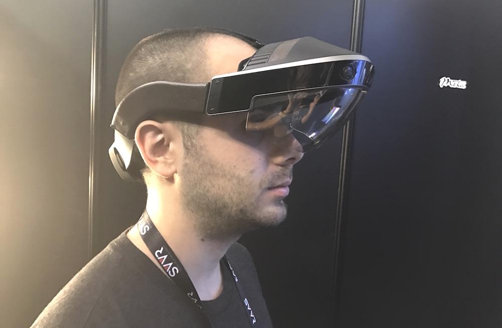 Шлем дополненной реальности Meta 2 // uploadvr.com